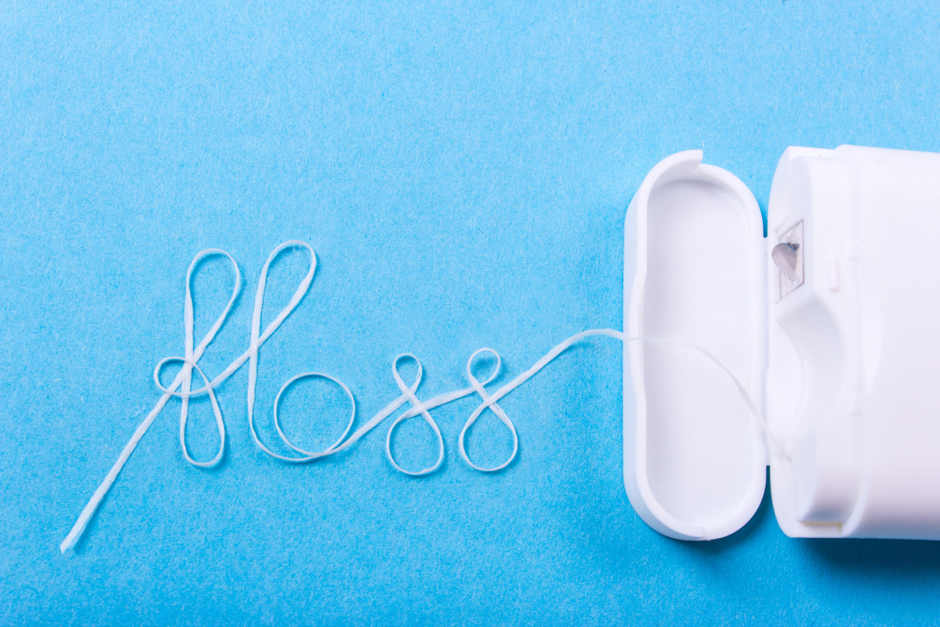 Why should I Floss? What are the Benefits of Flossing?